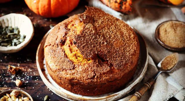 Con la torta di zucca e amaretti è subito autunno!