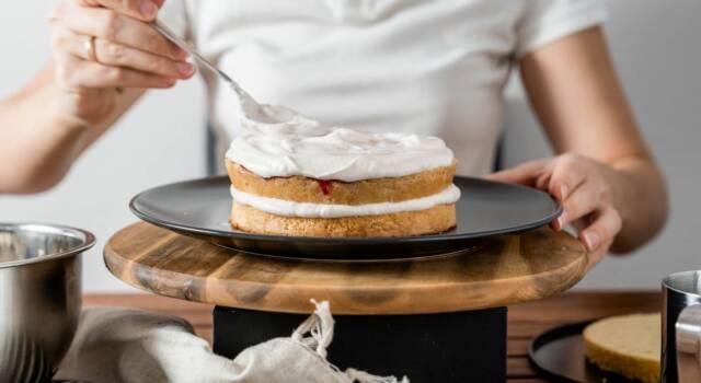 Idee e consigli sul decoro per torta con panna