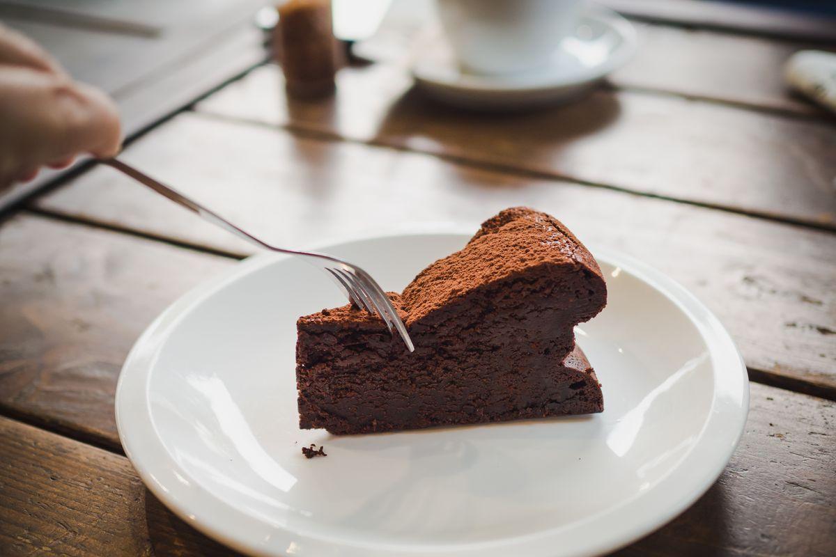 Torta mousse al cioccolato con amido