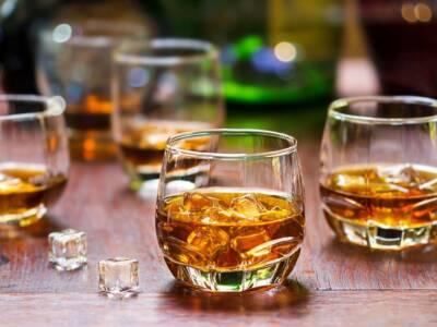 Ecco tutto ciò che c'è da sapere sulla differenza tra whisky e whiskey
