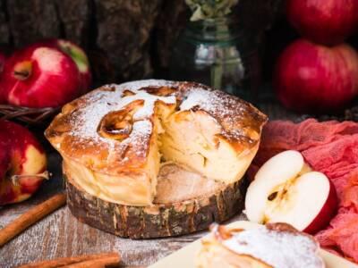 Fragrante e leggera, lasciatevi conquistare dalla torta rustica di mele
